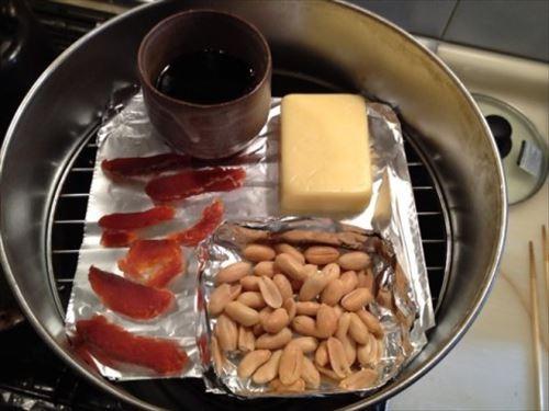 鮭とば、ゴーダチーズ、バターピーナッツ、醤油