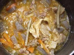 シャトルシェフで作る牛すじ味噌煮込み・韓国風ピリ辛煮込み