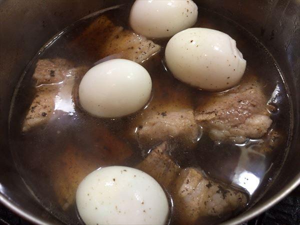 ゆで卵を入れて保温調理