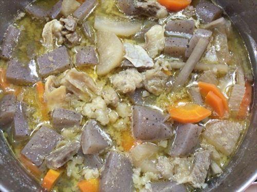 保温調理後の牛すじ味噌煮込み